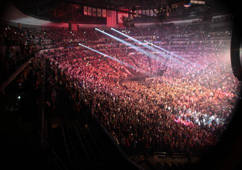 Actuación multitudinaria de Maná