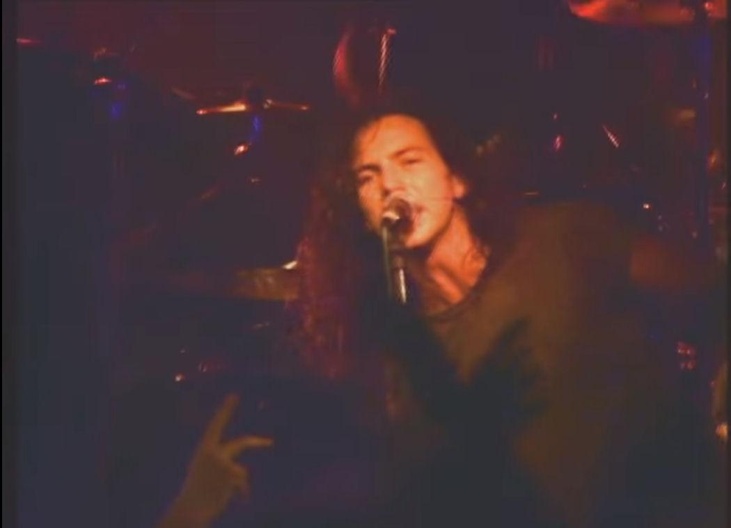 Eddie Vedder, de Pearl Jam, en su primer concierto en Madrid