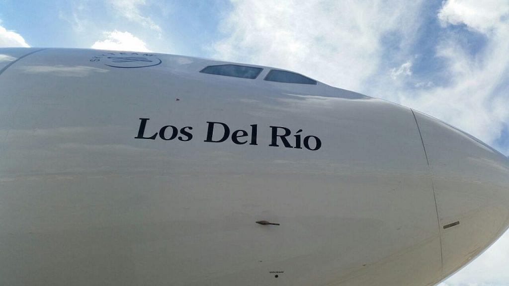Avión bautizado como Los del Río