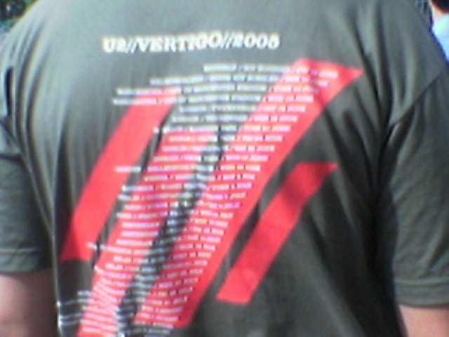 Camiseta oficial de la gira Vertigo