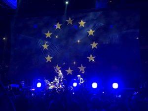 U2 silencia a sus detractores con el grito unánime de sus fieles