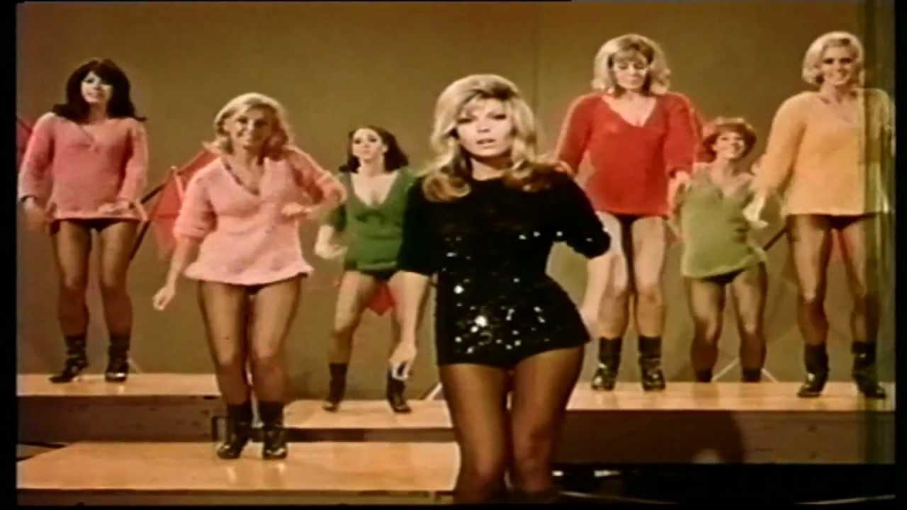 "Nancy Sinatra, para ponerse las botas<span class=""wtr-time-wrap block after-title""><span class=""wtr-time-number"">8</span> minutos de lectura</span>"