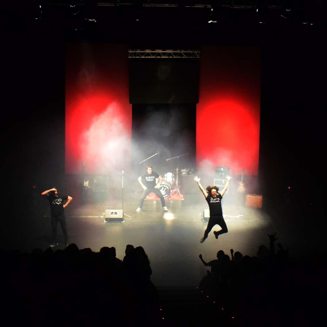 """El rock suena en familia… y en Madrid, con éxito<span class=""""wtr-time-wrap after-title""""><span class=""""wtr-time-number"""">9</span> minutos de lectura</span>"""