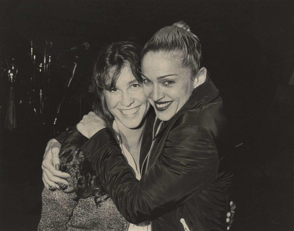 Alanis Morissette con su madrina Madonna