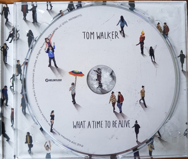 Interior del disco de Tom Walker