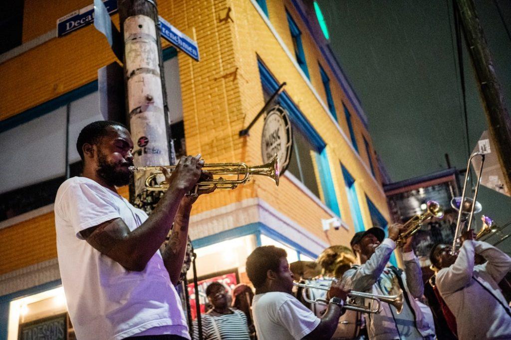 Músicos en las calles de Nueva Orleans