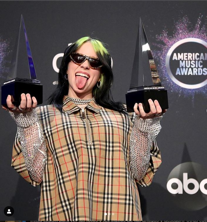 Billie Eilish recibe los American Music Awards
