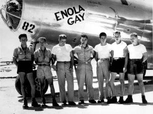 """Enola Gay, la canción antibelicista que marcó el paso del synth pop de los 80<span class=""""wtr-time-wrap after-title""""><span class=""""wtr-time-number"""">8</span> minutos de lectura</span>"""